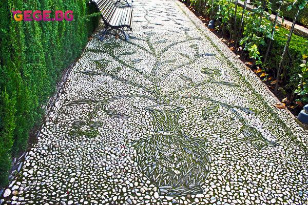 Градински пътеки и алеи