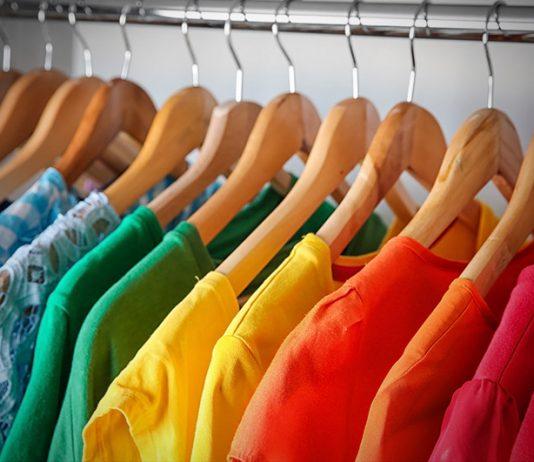 Цветни дрехи