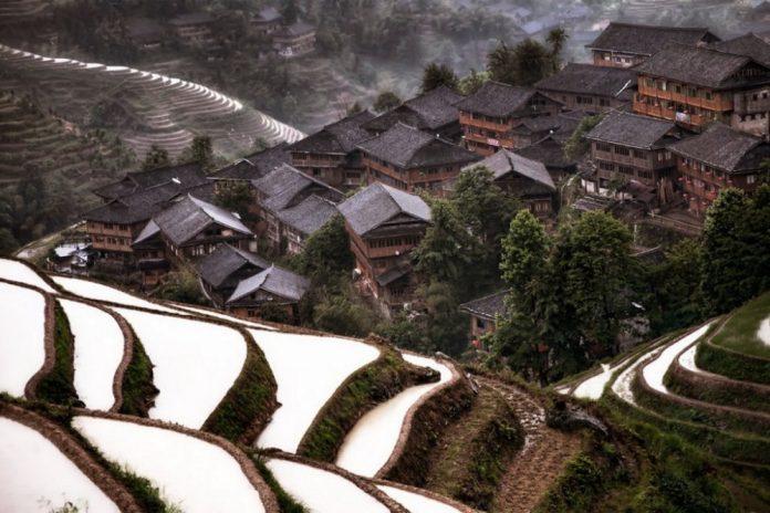 Горно село, Китай