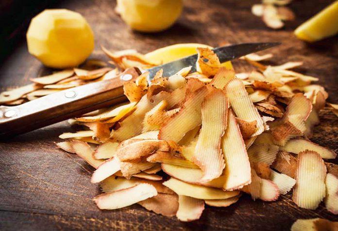 Сварени обелки от картофи