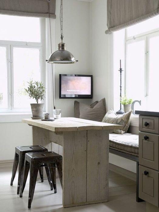 Пейката или кухненският бокс е не само място за сядане, но и за съхранение.